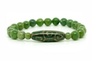 Бусина Дзи 9 глаз «Черепаха» в браслете из нефрита