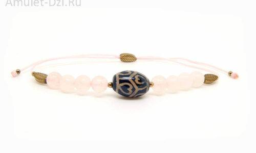 Бусина Дзи «Сердце долголетия» в мини-браслете с розовым кварцем