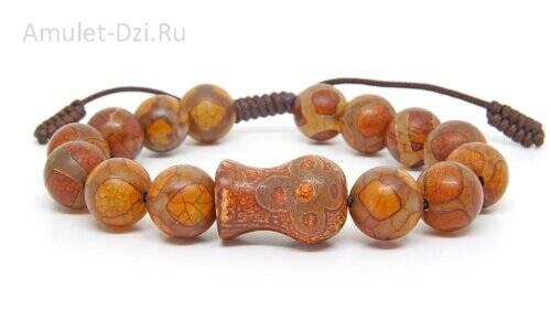 Бусина Дзи «Гаруда» в браслете из бусин Дзи «Черепаха»