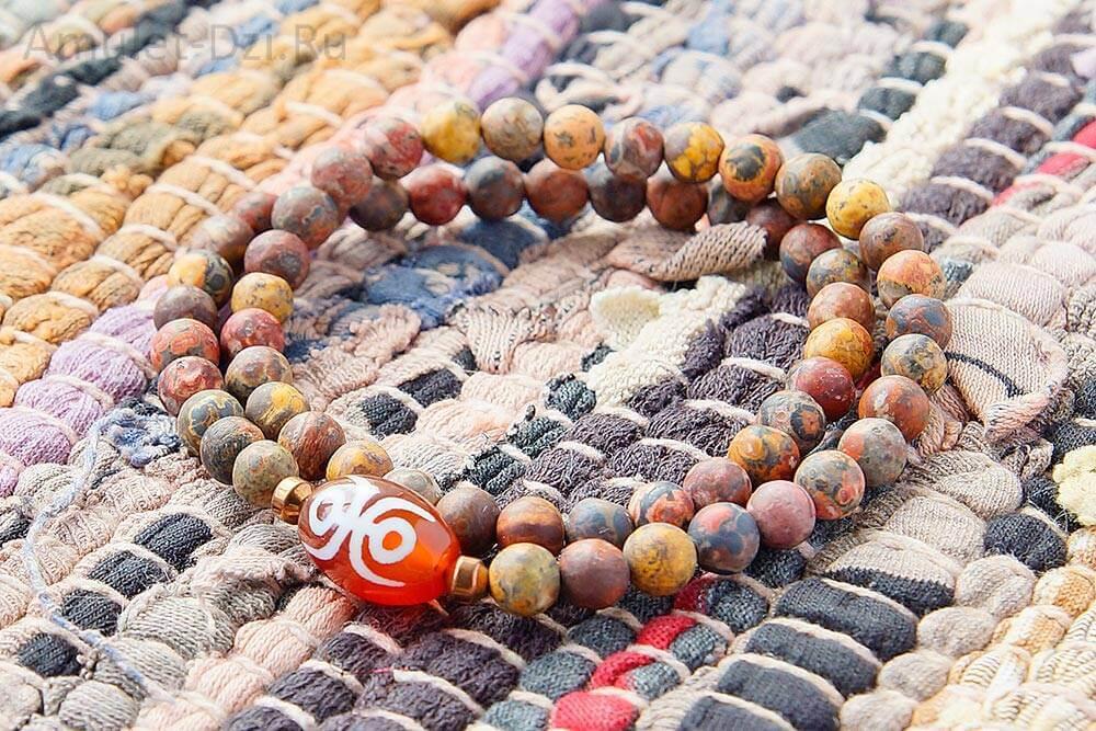 Бусина Дзи «Фелисити» (Насекомое) в браслете из яшмы пейзажной