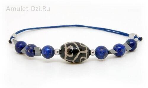Бусина Дзи «Сердце долголетия» в мини-браслете с лазуритом и гематитом