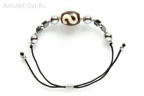 Бусина Дзи «Денежный крючок» в мини-браслете с гематитом