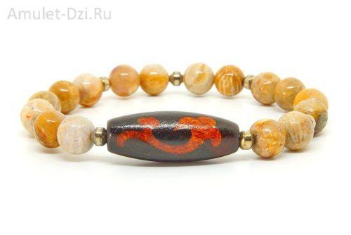 Бусина Дзи «Зеленая Тара» и «Гуань Инь» в браслете из коралла